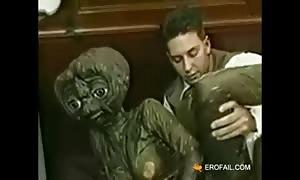Alien go to a little bizarre family on Earth by erofail com